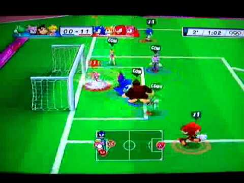 Gameplay Mario y Sonic en los JJOO 2012 Londres - FUTBOL (Español) Travel Video