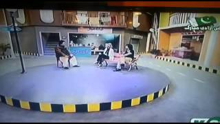 cute Sameera Aziz became naughty, forgetting her name in 'Umer Shareef show'