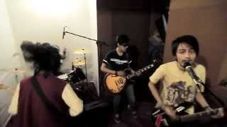 Download Lagu FIERSA and LADS - Kings and Queens (30 SECONDS TO MARS cover version) mp3