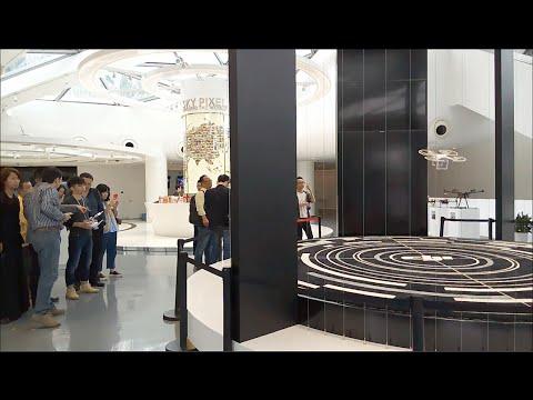 DJI ShenZhen Flagship Store - Flying Phantom 3 Demonstration