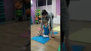 "Детская гимнастика дома . Урок №1 ""Бабочка"""