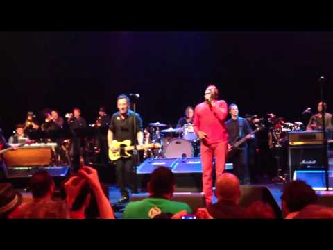 "Bruce Springsteen & Jimmy Cliff  ""Harder They Come"" at Austin City Limits (SxSW 2012)"