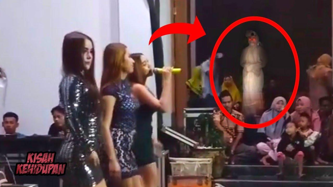 Pocong Hadir di Acara Orgen..! 5 Penampakan Hantu Asli Nyata Terekam Kamera