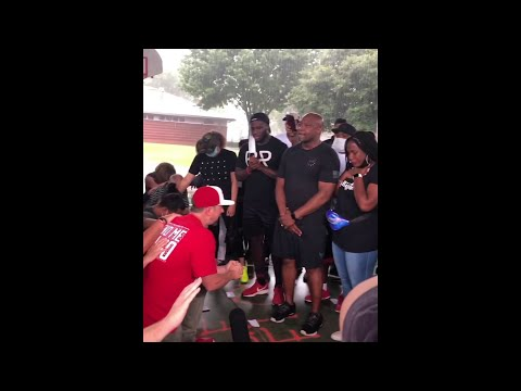White people kneel, ask forgiveness from the black community in Third Ward