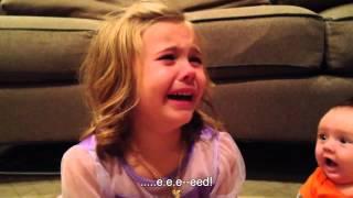 Маленькая девочка не хочет, чтобы ее брат вырос(Девочку зовут Сэди), 2014-07-30T13:47:05.000Z)
