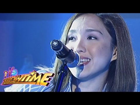 It's Showtime: Barbie Almalbis sings