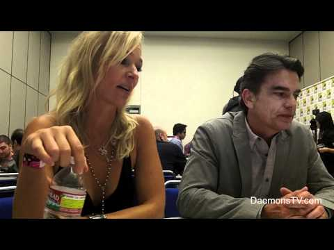 Kari Matchett and Peter Gallagher Covert Affairs ComicCon 2011