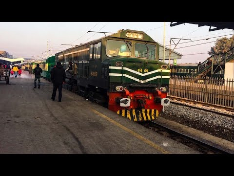 Tezgam | 8DN | Pride of Pakistan Railways at Rawalpindi on a Chilly Morning