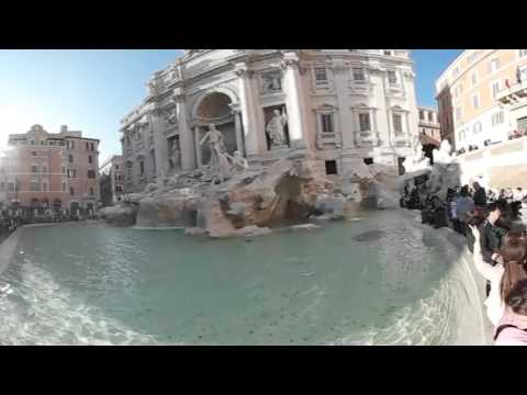 Things to See in Rome in 360° view: The Trevi Fountain