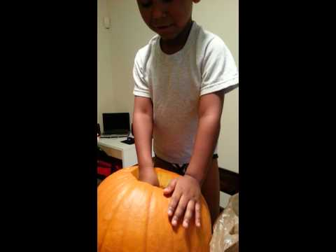 Cleaning Out The Pumpkin- Pumpkin Carving