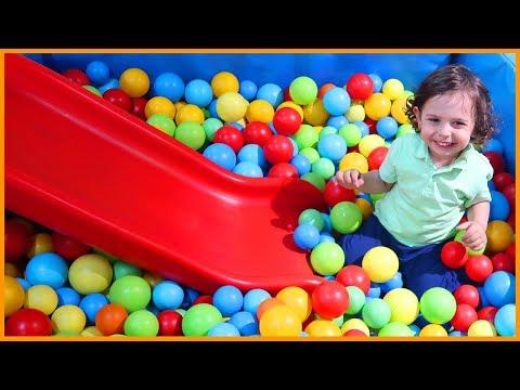 Oyun Alanında Oynadık, Kaydırka, Top Havuzu, Zıpıp ve Daha Fazlası   Çocuk Videosu