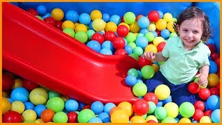 Oyun Alanında Oynadık, Kaydırka, Top Havuzu, Zıpıp ve Daha Fazlası | Çocuk Videosu