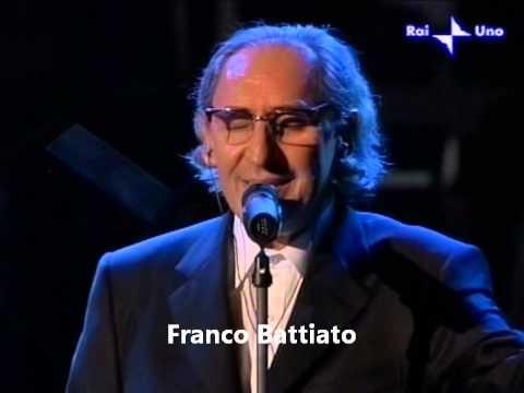 Franco Battiato in La cura. Live con orchestra