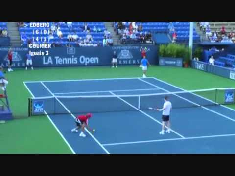 Stefan Edberg vs Jim Courier - Los Angeles 2009 (4 de 8)
