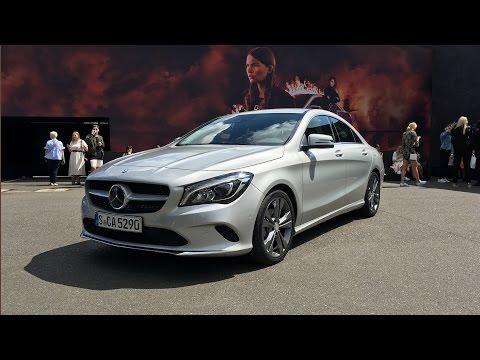 Bild: Der Mercedes CLA 2016 auf der Mercedes-Benz Fashion Week Berlin