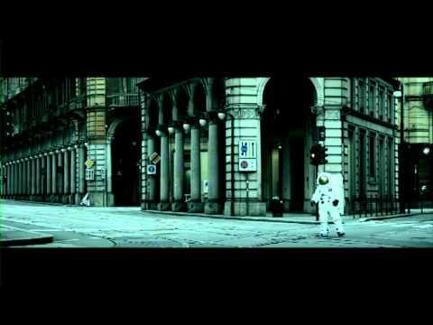 NEGRAMARO - 'Sing-hiozzo' (videoclip ufficiale)