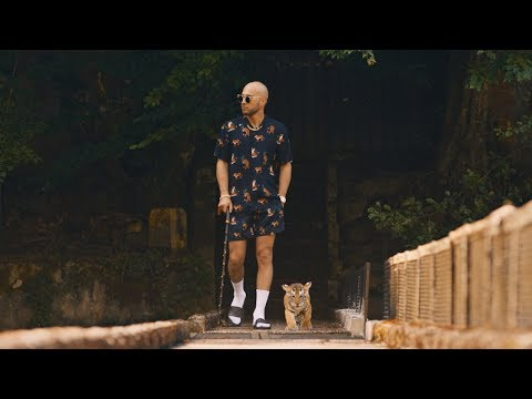 Ben Fero - Demet Akalın [Official Video]