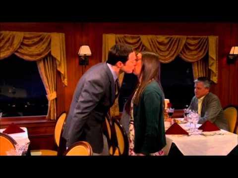 the-big-bang-theory---sheldon-kisses-amy