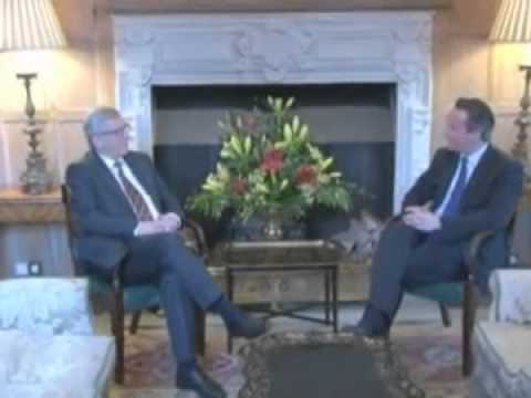 Cameron tells Juncker: The EU must change