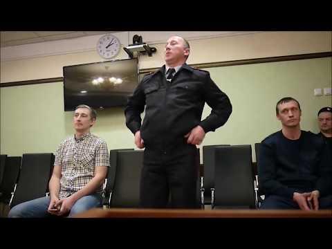 Юрист Антон Долгих и прокурор возражают против допуска инспектора ДПС Сафонова к делу Рычкова