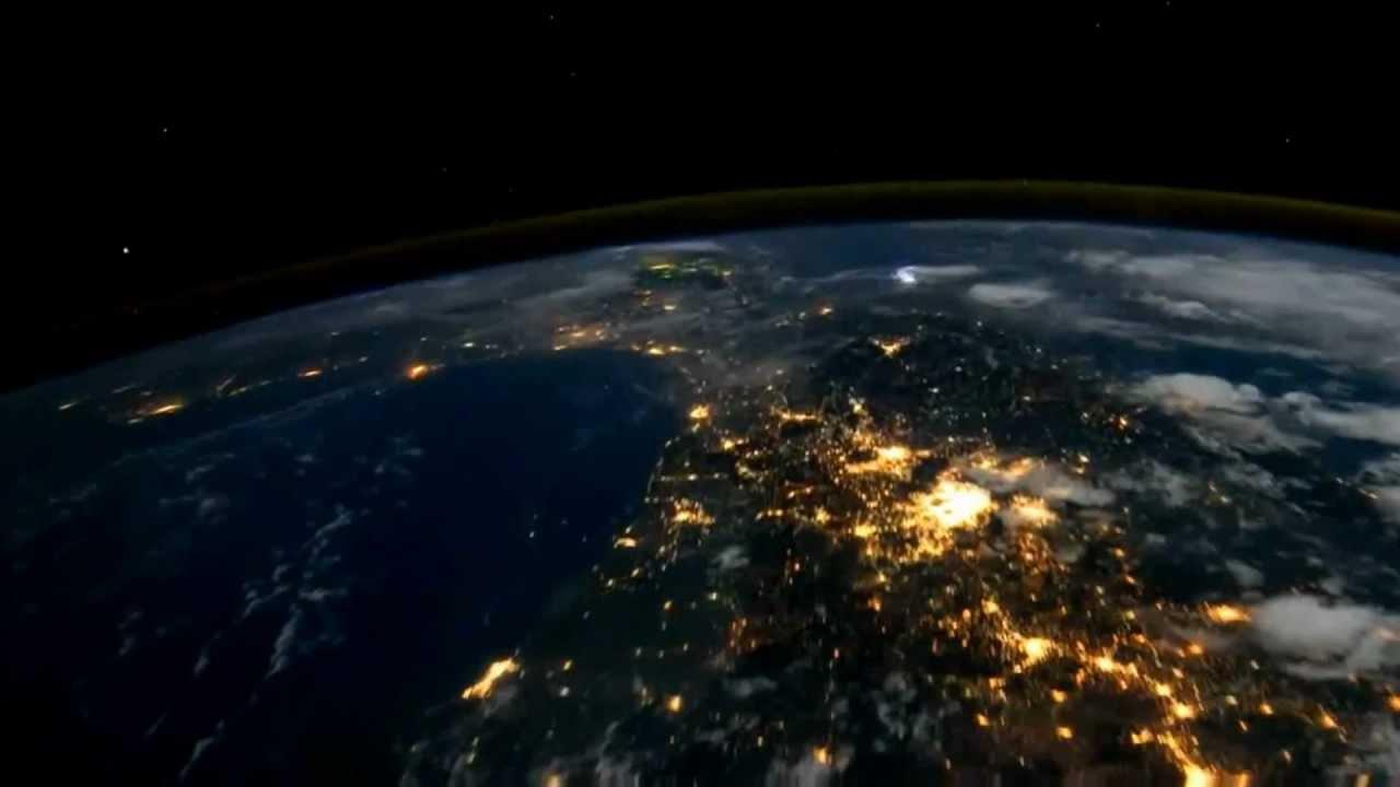 Come si vede la terra dallo spazio youtube for Puoi ipotecare la terra