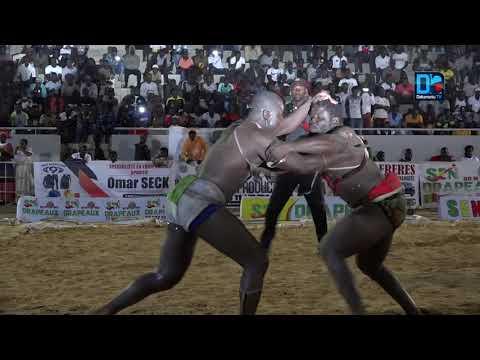 Lutte : Sokh remporte le combat choc contre Nandy Fall