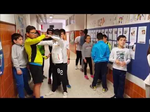 Video contra el acoso escolar. CEIP El Hacho, Álora - Se buscan valientes - Video against bullying