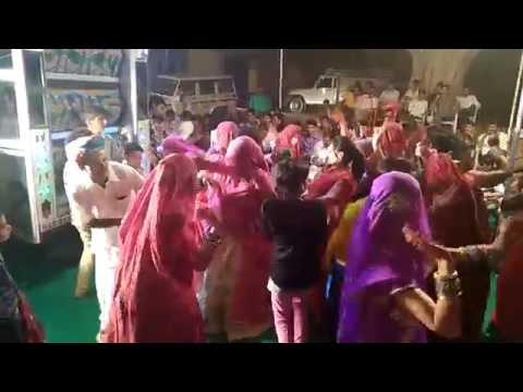 DJ Hariya Hariya Baga Mein Suvatiyo सुवटियो MARWARI Song 2016