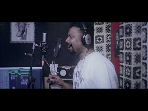 An unplugged A R Rahman's Medley by Karthik - Anjali Anjali & Thendralae!