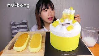 MUKBANG 투썸 플레이스 고구마 밀크 생크림 케이크 🍠 디저트 먹방 SWEET POTATO CREAM CAKE Dessert asmr サツマイモのケーキ 咀嚼音