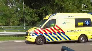 Ambulance met spoed langs Melissant