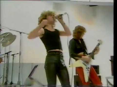 DIAMOND HEAD - Helpless - Live - 1980