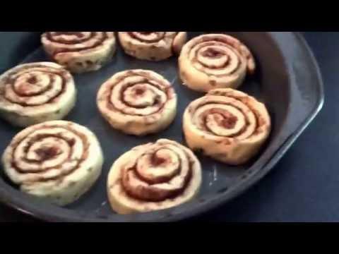 Cinnamon Roll Time! | Whitehouse Family Fun