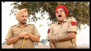 Old Lady Beats Policemen -  Gurchet Chitarkar - New Punjabi Comedy - Funny Videos
