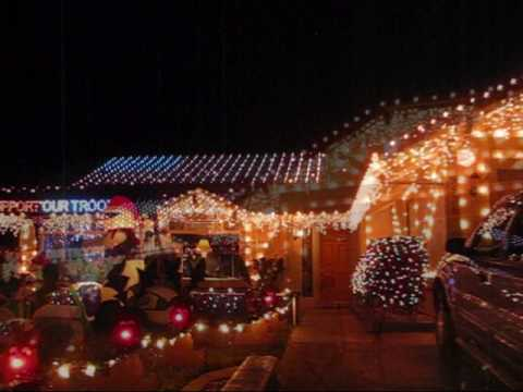 Dovewood Court and Christmas Lights in Orangevale - YouTube