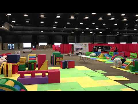 Awesome Toddlers Setting Up The Soft Play Equipment