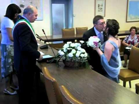 Matrimonio In Comune : Matrimonio sandro laura cerimonia in comune youtube