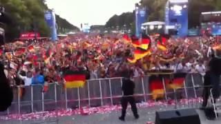 Berliner Fanmeile - Deutschland gegen Niederlande