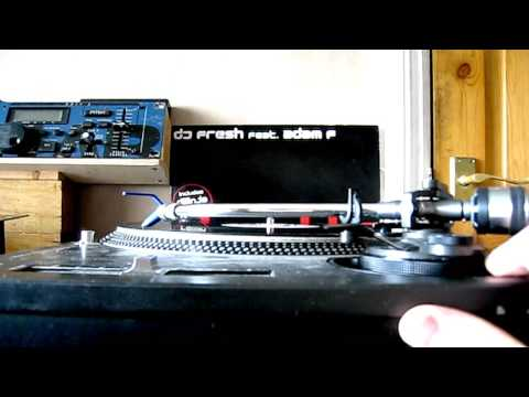 how to adjust the height on a turntables tone-arm