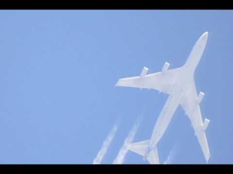 Boeing 747-400F de Cargolux y Boeing 777-200F de Korean Air Cargo sobre Cordoba (23nov2014)