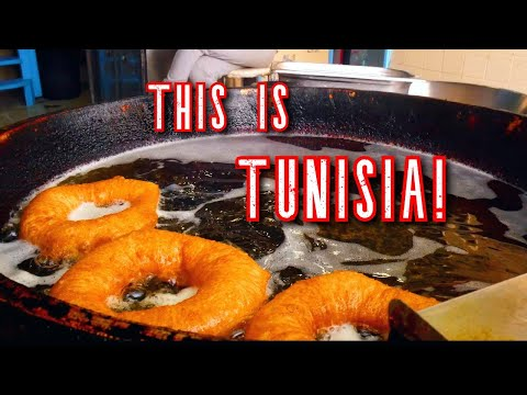 Traveling to TUNISIA! - AMAZING AIRBNB and trying STREET FOOD in Tunis! السفر إلى تونس