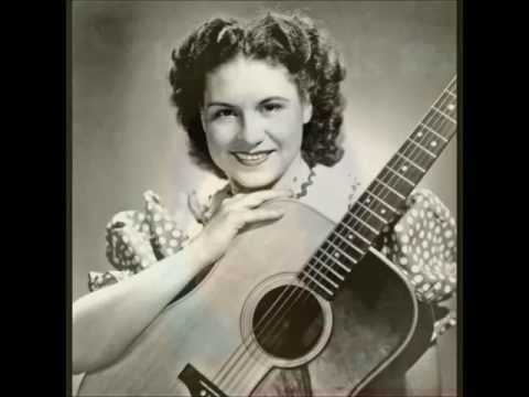 Kitty Wells - The Life They Live In Songs