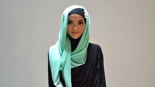 Hijab Tutorial Style 54 by Puteri Hasanah Karunia Thumbnail