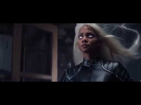 X-Men (2000) - Storm Electrocutes Toad