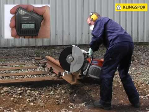 Trennen von Schienen mit Benzintrennschleifer