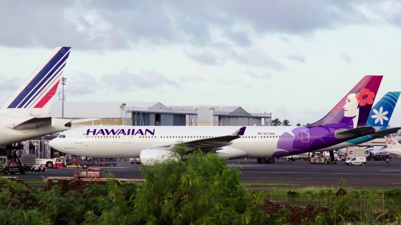 Hawaiian Airlines (N373HA). Takeoff NTAA (Tahiti) to HNL ...