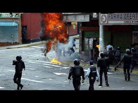 Venezuela: Maduro karşıtları sokakları terk etmiyor