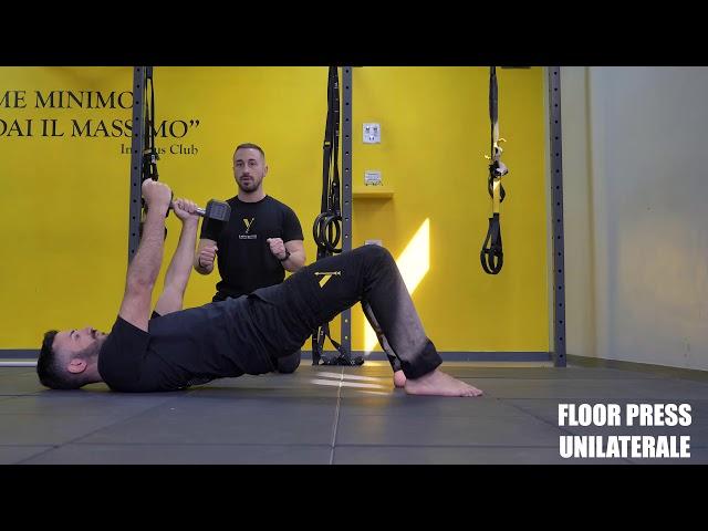 Floor press unilaterale. Esecuzione e tecnica
