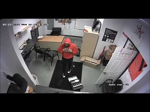 Robbery At Verizon Store In Streetsboro