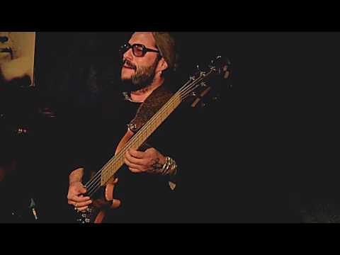 ALFREDO RODRIGUEZ TRIO plays 'Ay, Mama Inés' live at Jimmy Glass Jazz Bar 2017